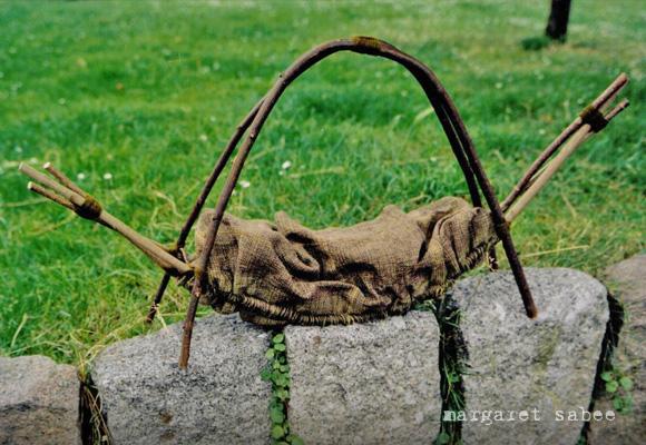 Kinderwiegwade van Margaret Sabee Weefkunst Den Haag