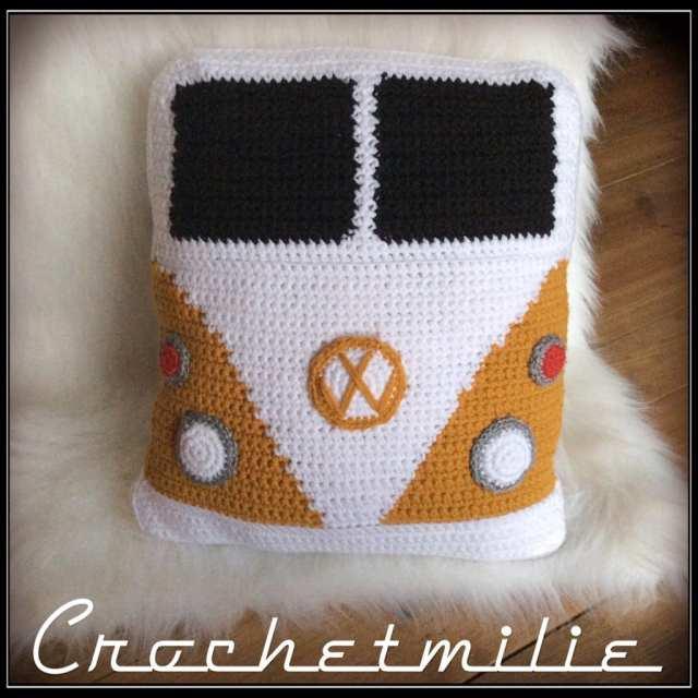 Un coussin WestFalia par Crochetmilie
