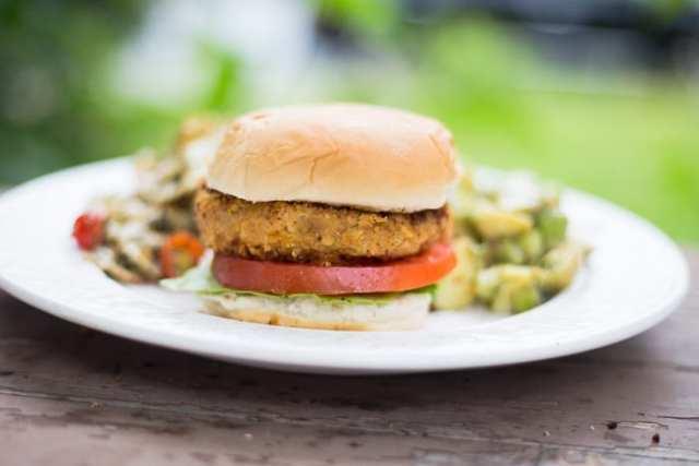 Souper végé Burger aux pois chiches et quinoa