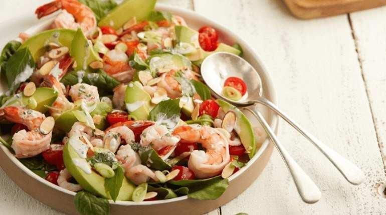 Salade de crevettes et avocats