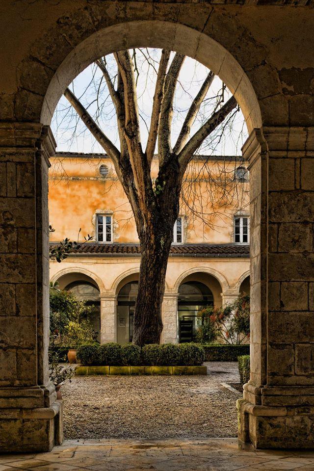 Cloitre des Dames Blanches La Rochelle par Cyril Vivier
