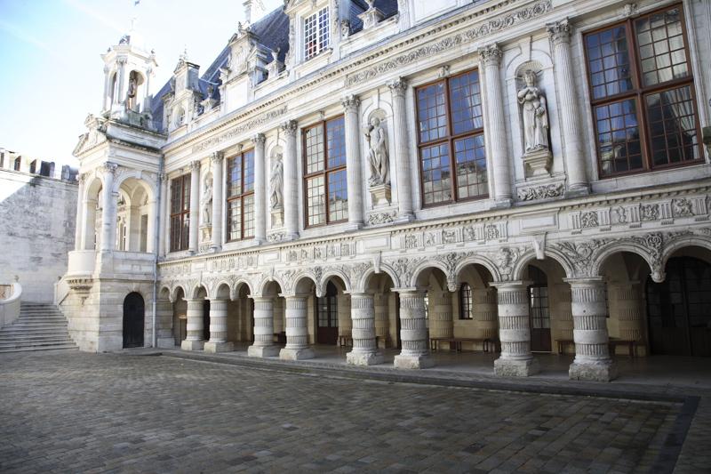 Hotel de ville La Rochelle © Les Compagnons de Saint Jacques