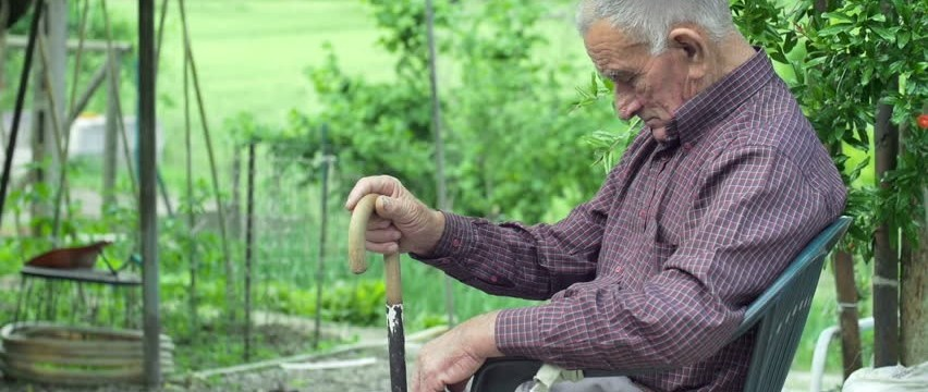How to take care of your parent's Bone Health in old age