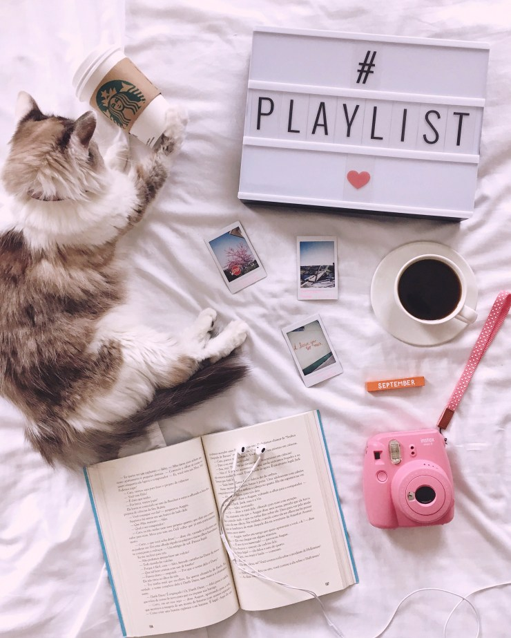 Playlist de setembro no Spotify_Flat lay