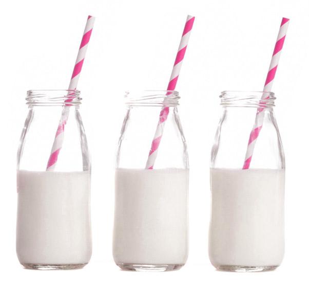 petite bouteille de lait milk shake candy bar 14 cm