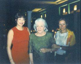 María Juliana compartió en la cena de la Gala con la actriz Carmen Sevilla