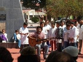 Benjamín Venegas canta a los niños y a los poetas en San Pedro