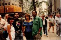 Jon Lucien , María Juliana y amigos, paseando en un descanso durante una grabación en NY
