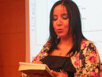 La poeta Oulaya Drissi El Bouzaidi