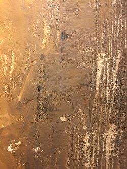 Decorazione d'interni rivestimenti in resina toni ocra marrone