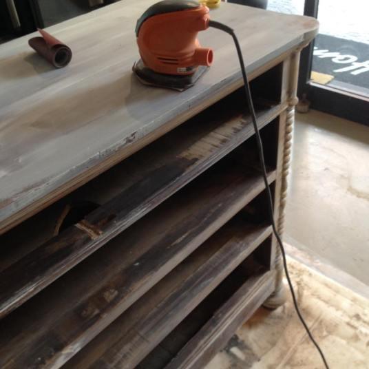 Restyling mobili work in progress mobile grigio chiaro e grigio scuro