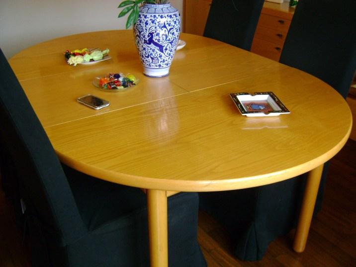 Un tavolo in faggio prima