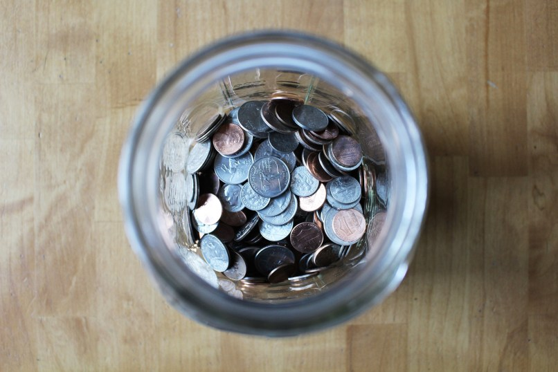 jar of coins. How to create a budget that works for you, www.marianamcdougall.com