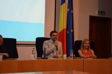 Dezbatere pe tema administrației publice și politicii, UVT, 2015 6