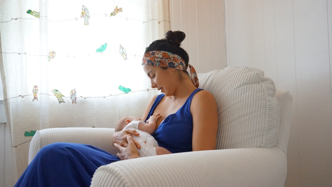 mariane-sky-breastfeeding
