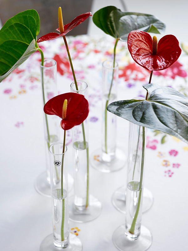 creative table setting with flower decor