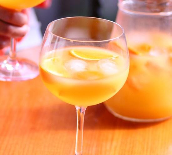 Spansk-populær-drink-Agua-de-Valencia
