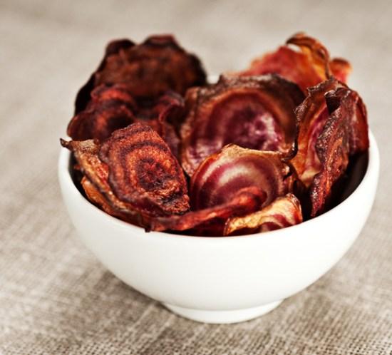 Sunn-oppskrift-på-rødbete-chips