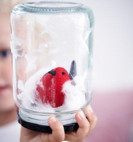 DIY-Juleverksted-ogjulehobby-for-barn-dekorasjon-med-dompap