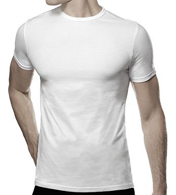 Den hvite t-skjorten i herregarderoben