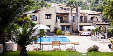 Vinn Spania-ferie i glampingvogn ved hotell i Spania