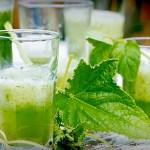 Alkoholfri drink med agurk, mynte og lime