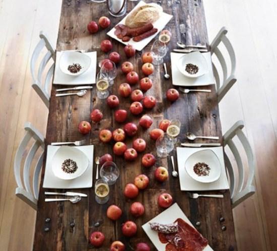 INTERIØRTIPS - BORDDEKKING Dekk bordetenkelt og effektfullt til eplekjekk fest ©FOTO Tilbords