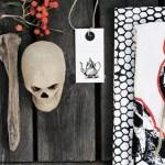 Dramatisk bord i sort og hvitt med små innslag av høstfarger