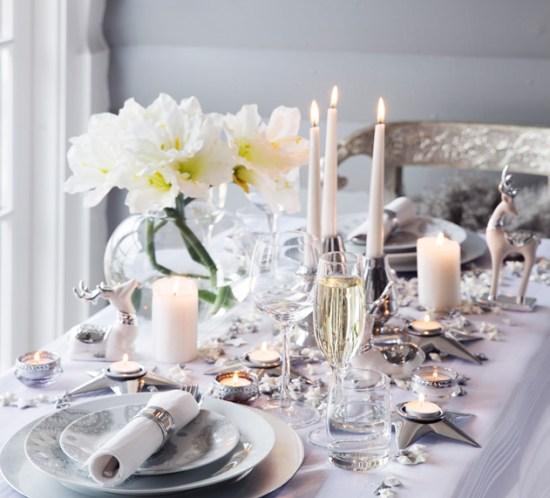 Hvit-og-frodig-borddekking