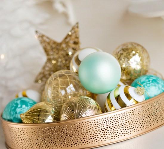 003 INTERIØRTIPS Juledekorasjoner og julekuler i gull FOTO Kremmerhuset