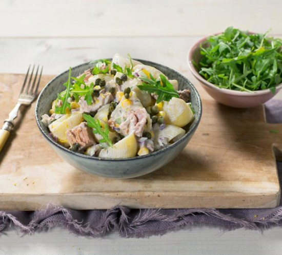 Oppskrift på kremet pastasalat med tunfisk