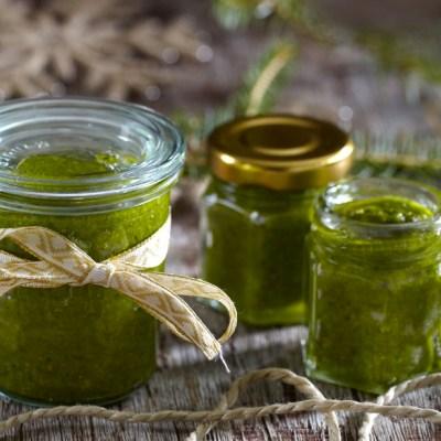 5 typer hjemmelaget grønn pesto, helt uten basilikum