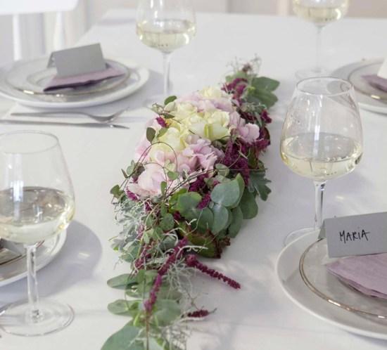 BORDDEKKINGSTIPS - rosa-lilla-bord-til-konfirmasjon