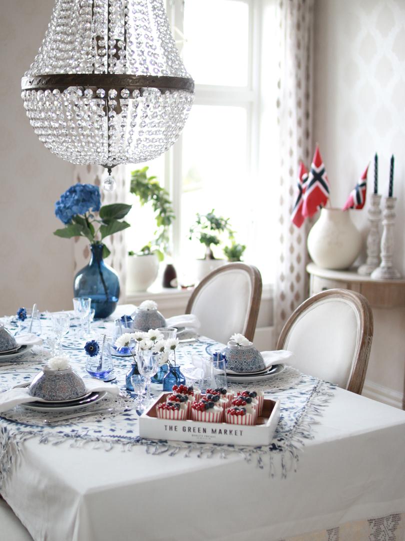 001 Dekk et vakkert bord til 17. mai