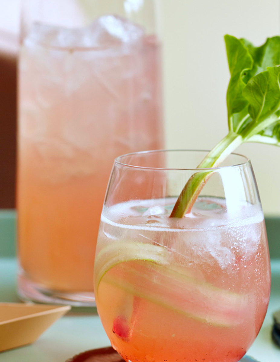 DRINKOPPSKRIFTER-FREDAGSDRINKEN-Rabarbra-Gin-Fizz