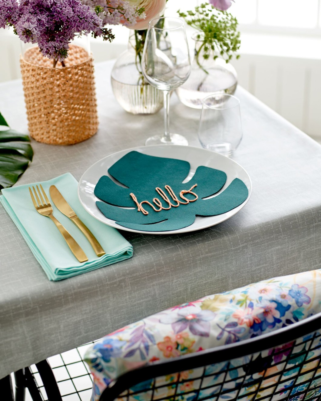 DIY - BORDDEKKING Lag dekorasjonsblad til kuverten