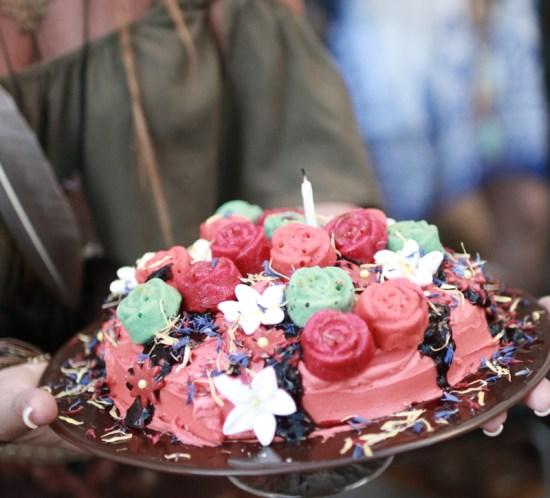 bohem-hippie-blomster-kake