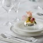 Serviettbretting og blomster: 1 kuvert – 10 muligheter