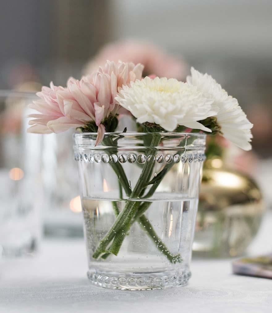 Alternative vases