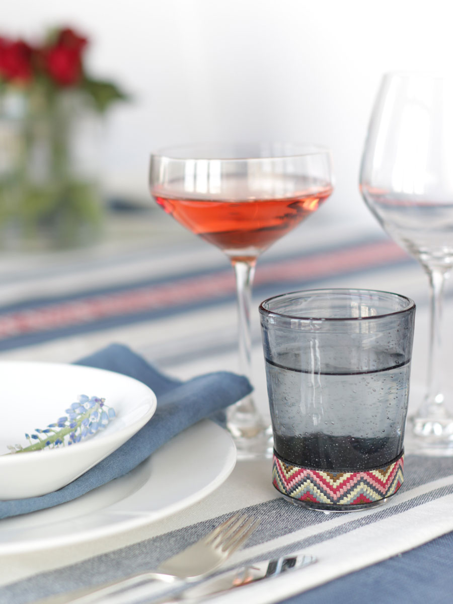 DIY Drinking glass with ribbon