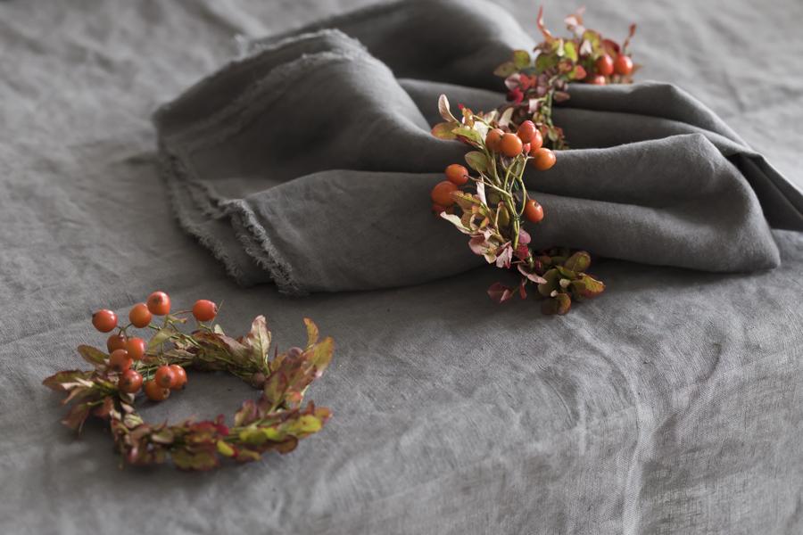 Her er mitt lekre høstbord med gratis naturmaterialer på bloggen mariannedebourg.no
