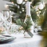 Mitt juleverksted: Vin + julepynt = vertinnegave