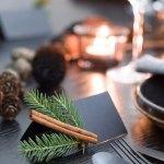 Mitt juleverksted: Bordkort med kanel og granbar