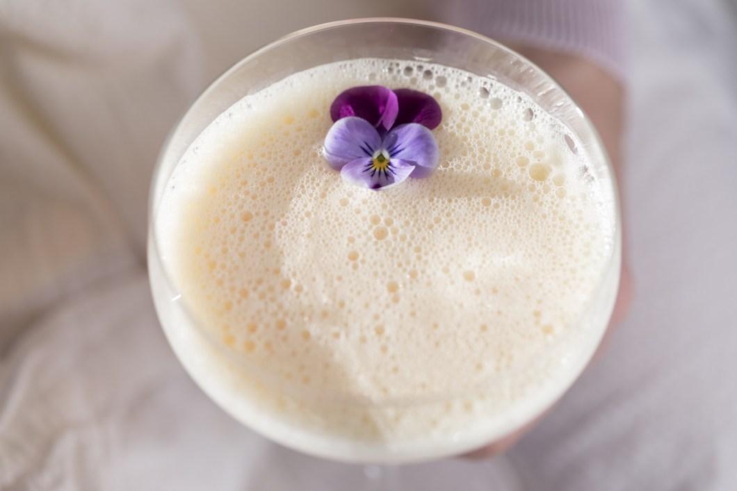 DRINK TIL PÅSKE: Påskecocktail med eggedosis og cognac