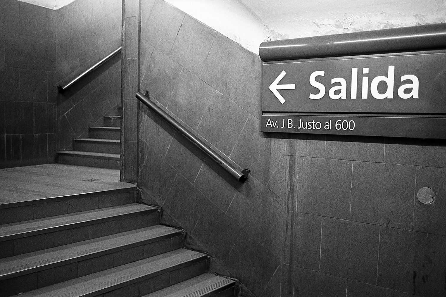 "Stairs at ""Palermo"" station, ""D"" line."