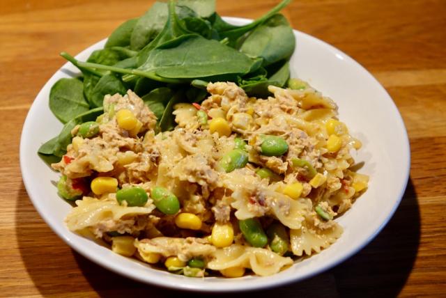 Pasta med tonfisk- och majssås