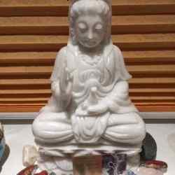 03a) Gewijde Beeldjes Moeder LeMUria, Kwan Yin, Boeddha, Tara, Maria, Merlijn etc