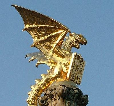 September: Bezielende Gouden LEEUWINNEN LeMUria DRAKENMAAND