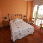 2900016-large-bedroom-with-great-views