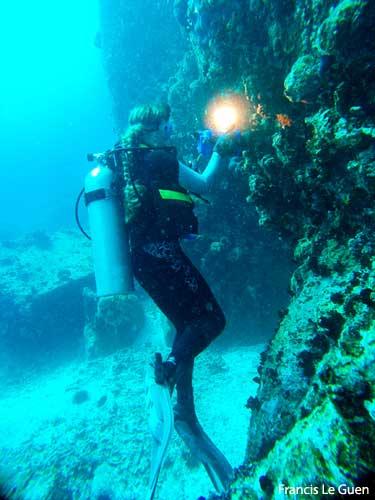 Seychelles, Marie-Ange Ostré en plongée © Francis Le Guen